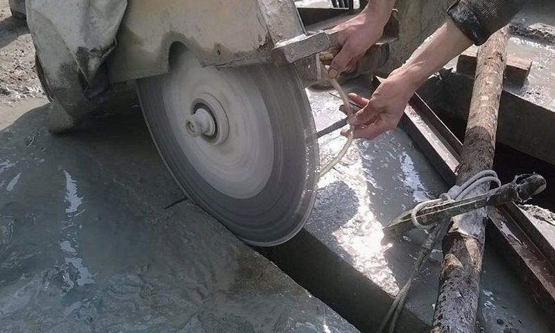 Khoan cắt bê tông - nghề bán sức lao động vô cùng vất vả