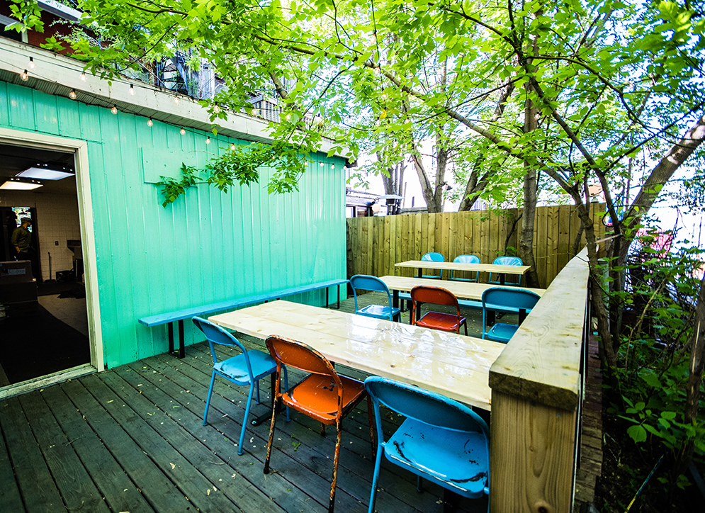 terrasse-junior-brunch-filipino-griffintown