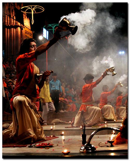 Hindus performing Aarti