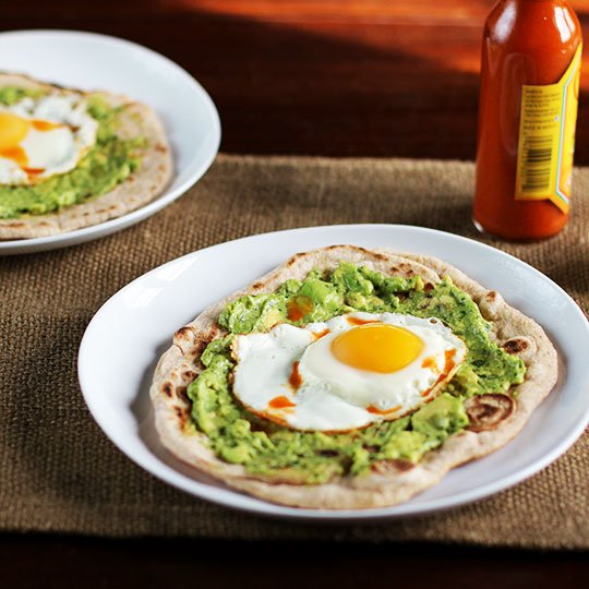 Recipe: Avocado and Egg Breakfast Pizza