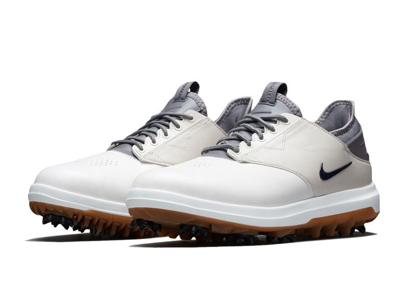 Giày Nike mang màu sắc năng động