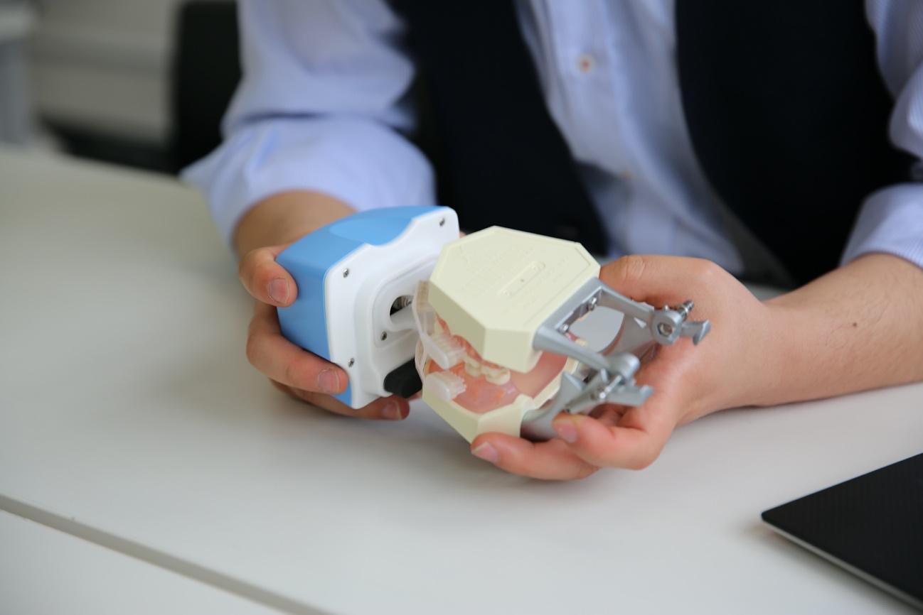 次世代型全自動歯ブラシの実験写真