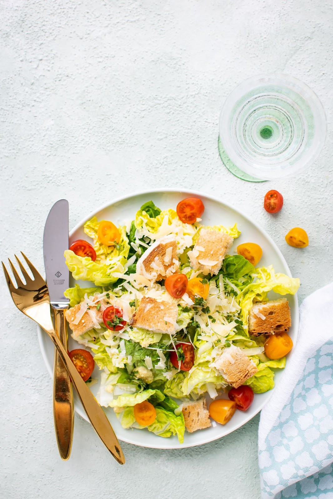 Image of a colorful salad.