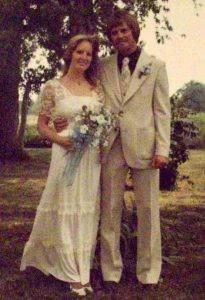 https://1.bp.blogspot.com/-NeCHVd7XTX8/WNjqi7oJCNI/AAAAAAAAOnk/SF6AAHUj8xwtH_g8HR9LhnVCwswyL_OFwCLcB/s1600/wedding.jpg