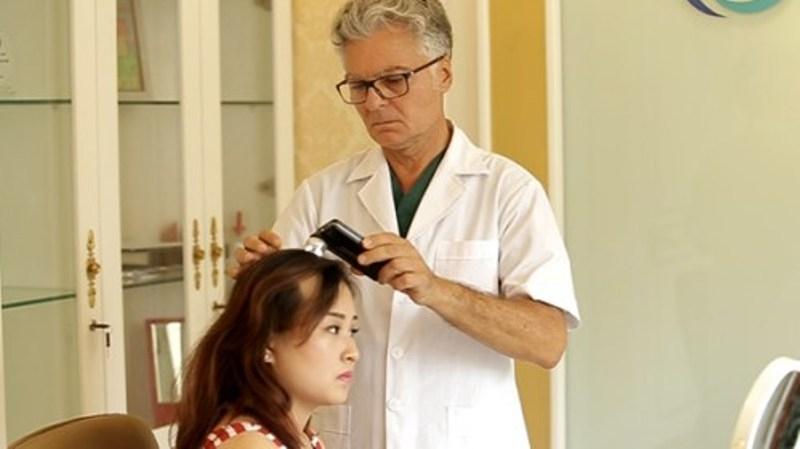 Tiến hành thăm khám bác sĩ để có biện pháp điều trị kịp thời