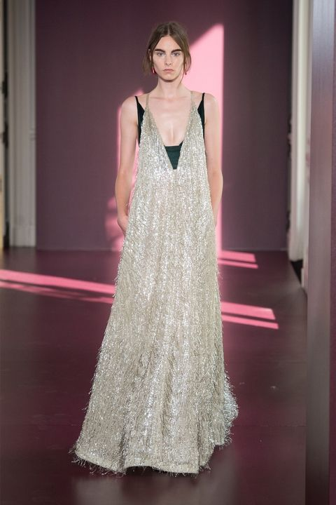 hbz-couture-fw2017-valentino-08-1499286365.jpeg