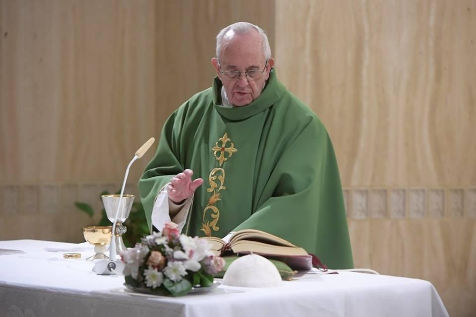 Đức Thánh Cha: 'Người Ki-tô hữu cần phải vượt qua một lối suy nghĩ coi mình là trung tâm điểm'