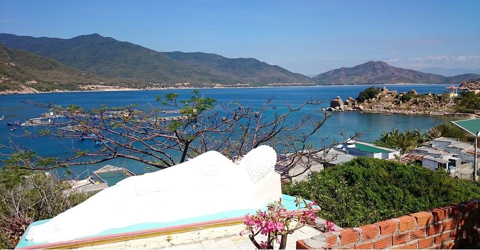 Quang cảnh nên thơ được chụp từ chùa Bình Hưng