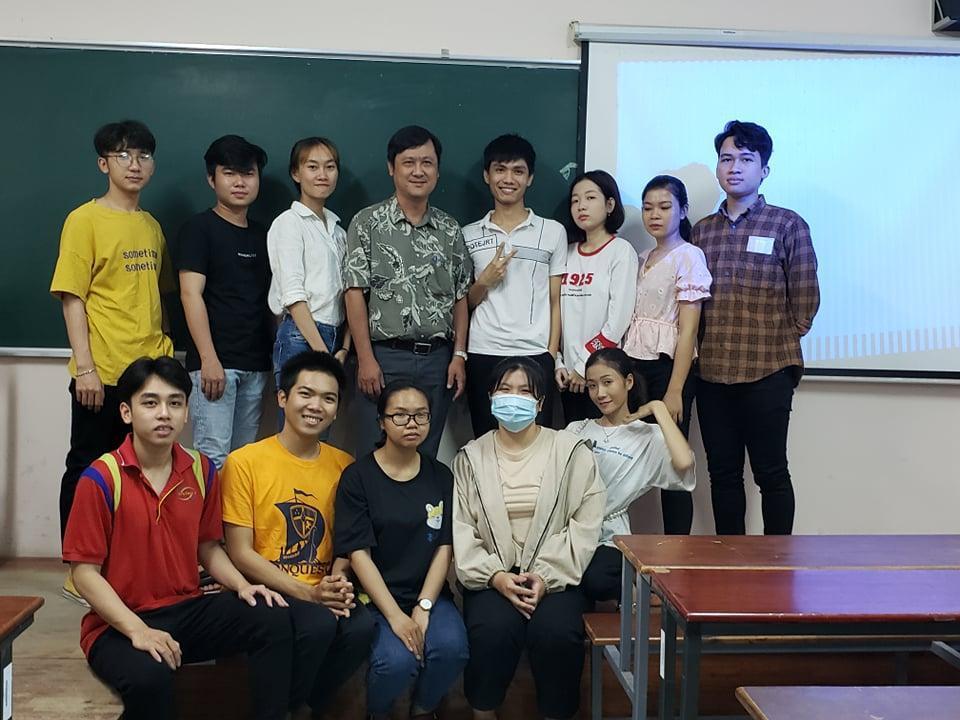 Sinh viên lớp K132QL1 kết thúc học phần, tốt nghiệp môn DU LỊCH MICE