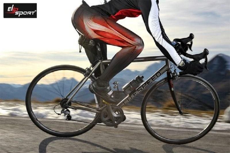 đạp xe phát triển cơ mông