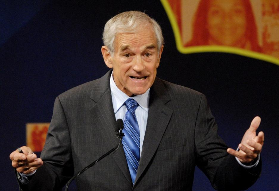 D:\Important Files\Freelance Writing Work\DM Fiat\ron_paul_at_a_debate.jpg