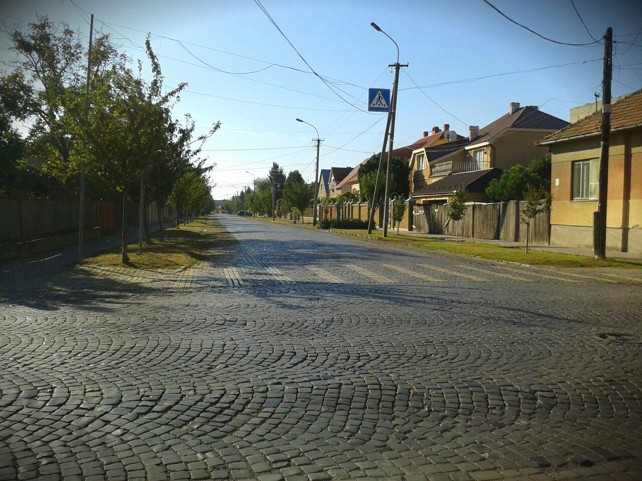 Бруківка на вулицях Мукачево