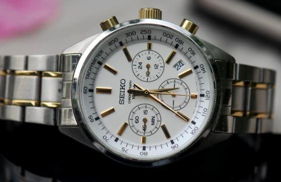 Vì sao bạn cần biết cách phân biệt đồng hồ Orient?