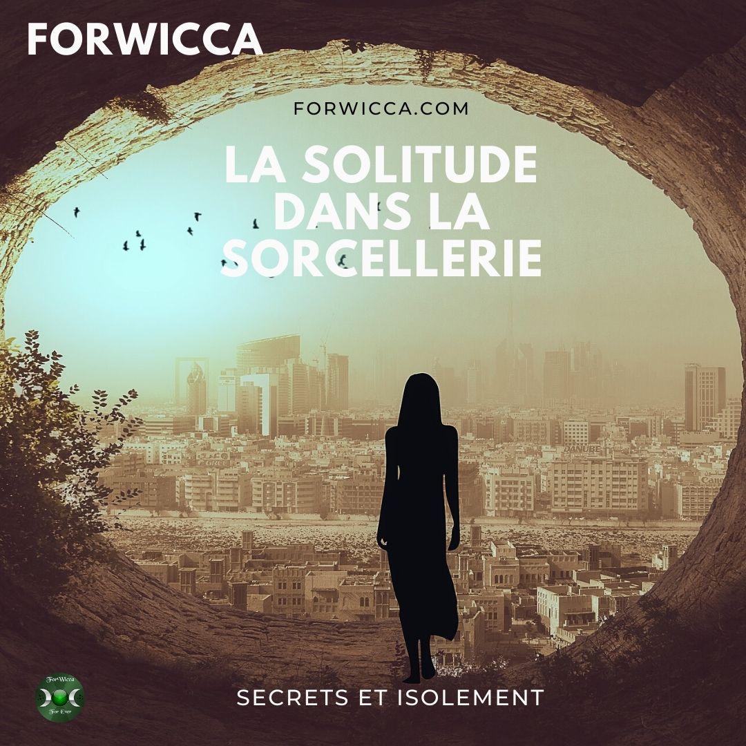vue sur la ville polluée avec une silhouette de femme au centre en contre jour qui s'avance vers  de forwicca