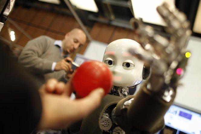 Robot có thể tự học mà không cần lập trình trước