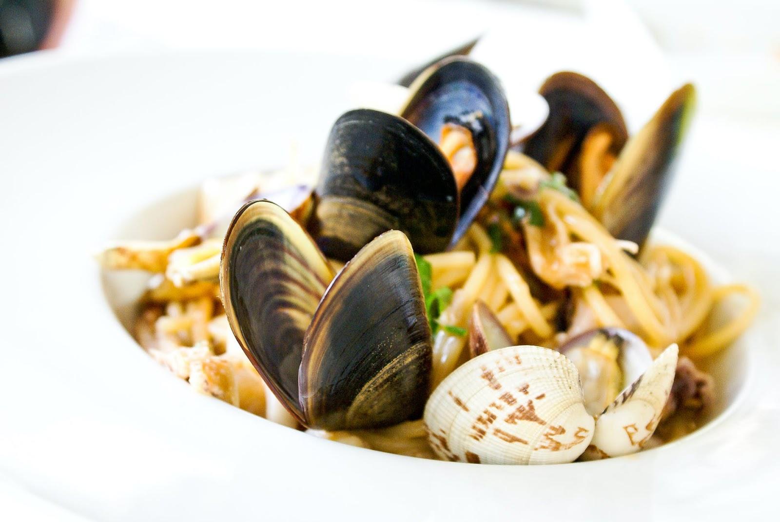 clam pasta seafood