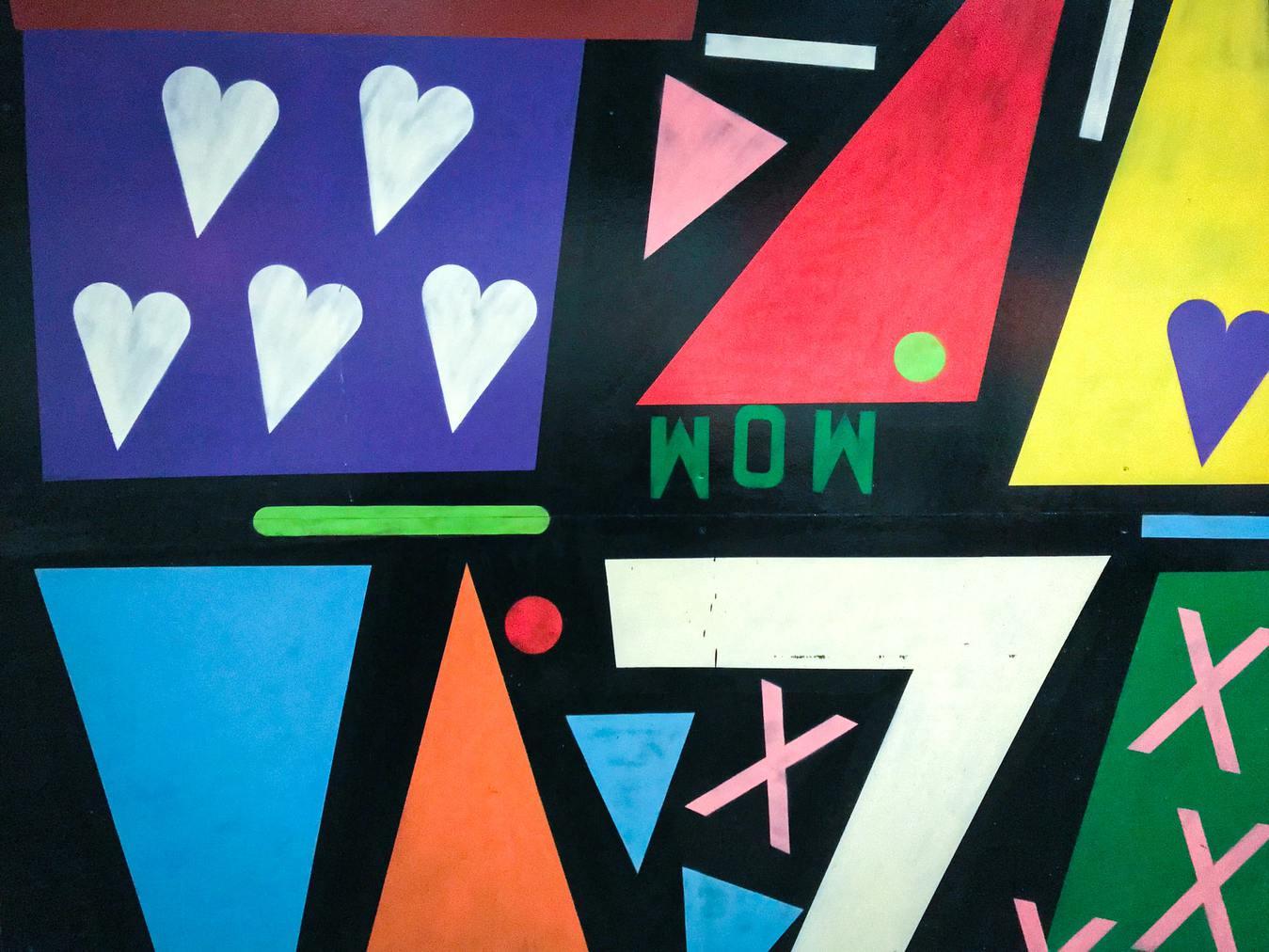 """Graffiti przedstawiające słowo """"wow"""""""