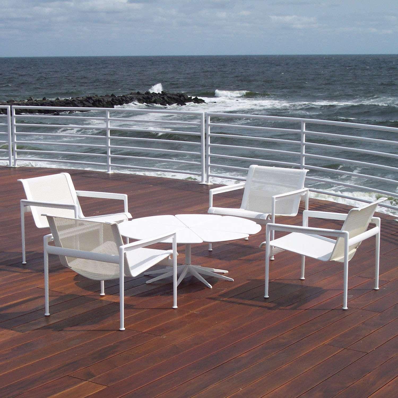 Furniture Outdoor dengan Material Alumunium - sumber: www.ylightning.com