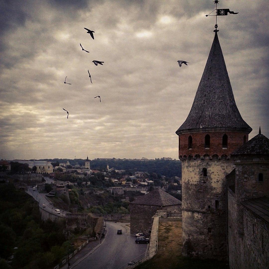 Готичний вигляд фортеці у Кам'янець-Подільському