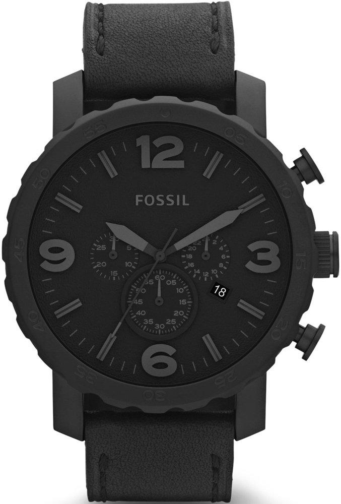 Stylowy, męski zegarek Fossil JR1354 NATE na czarnym skórzanym pasku z okragłą, stalową koperta w czarnym kolorze. Tarcza zegarka jest w czarnym kolorze, tak samo jak indeksy, wskazówki oraz subtarcze.