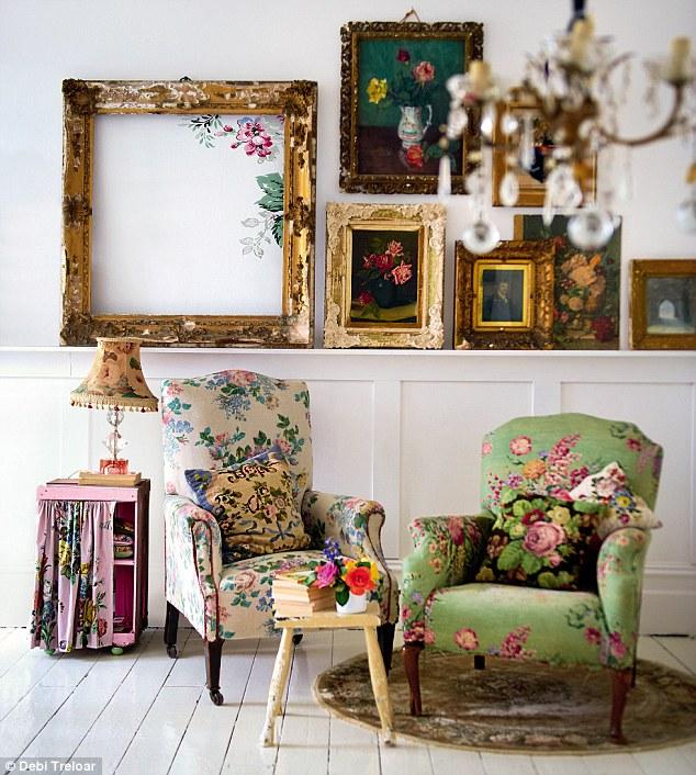 Furnitur bergaya vintage yang terinspirasi dari model furnitur tahun 1940-an dan 1950-an - source: dailymail.co.uk