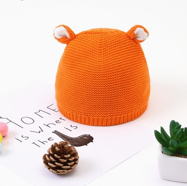 Baby knited bear hat