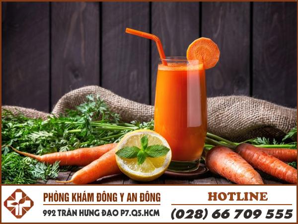 Người bệnh đau dạ dày uống nước ép cà rốt giúp cải thiện hệ tiêu hoá rất tốt.