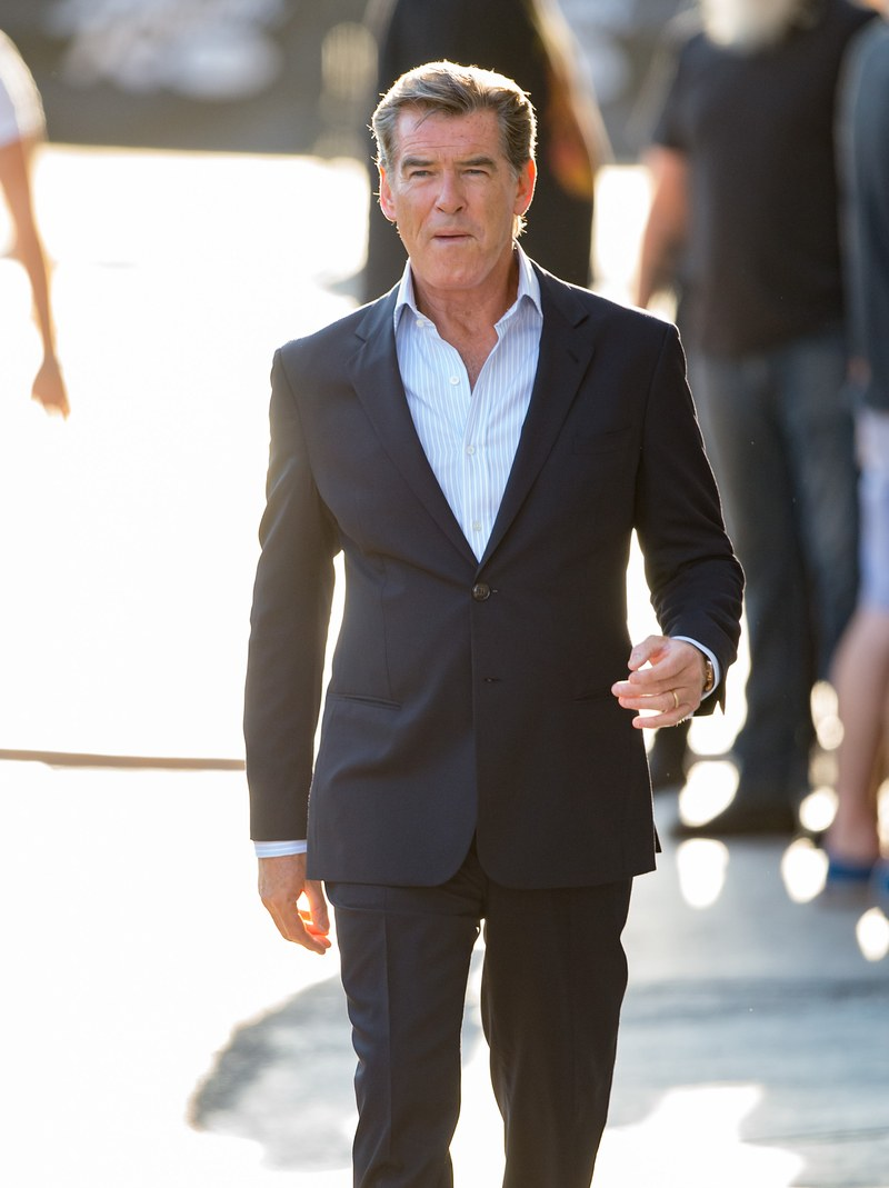 Pierce Brosnan Knows How To Win His Fans Heart Mens Suit
