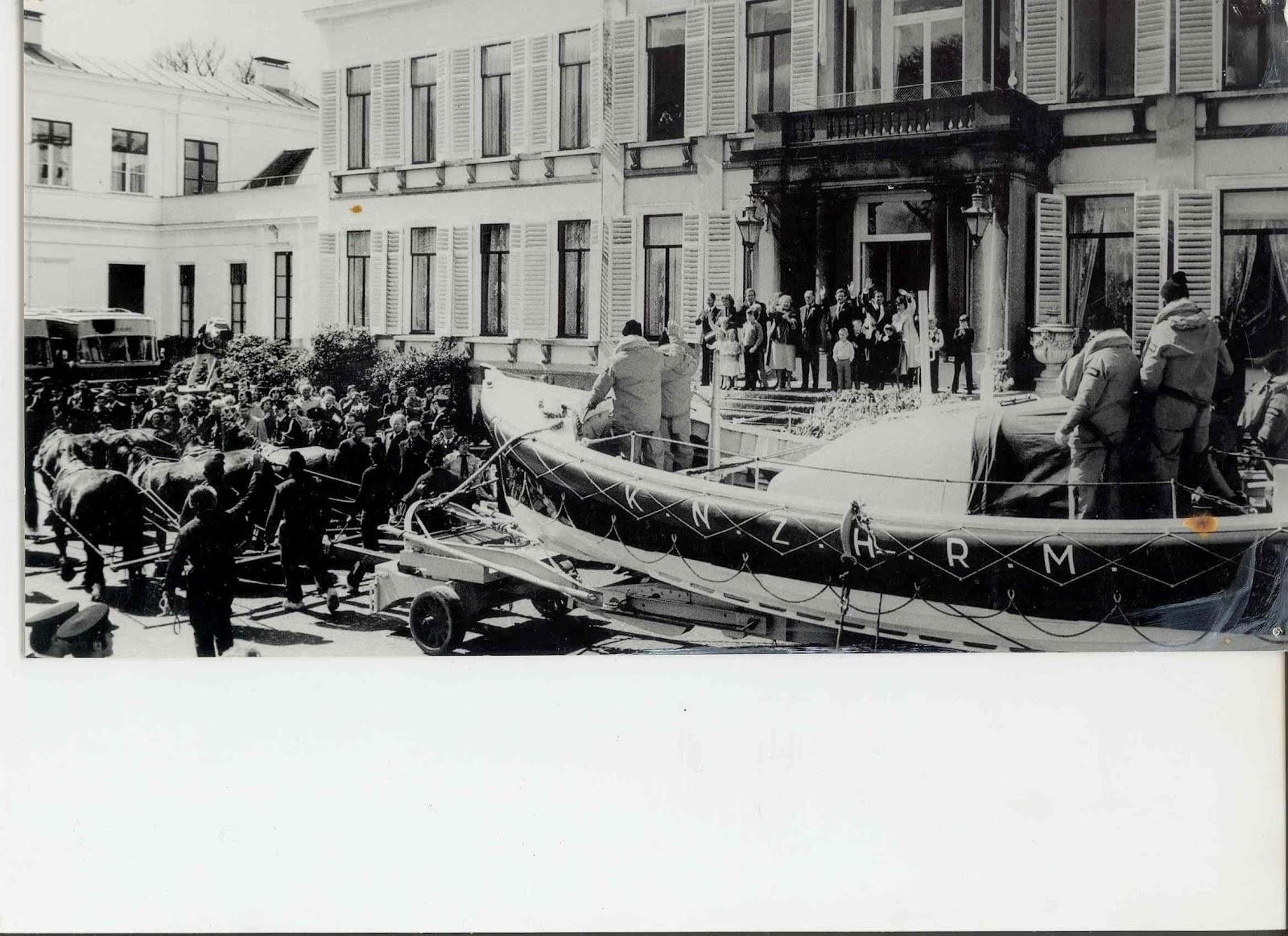 Bezoek reddingboot Ameland aan paleis Soestdijk