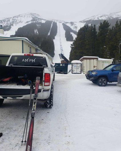 Ski in Style and rent the limousine to the ski resort.