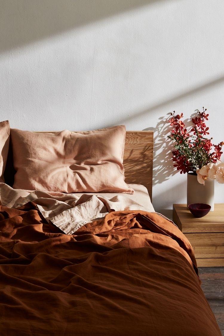 Interior color trends 2020 - Brown Age