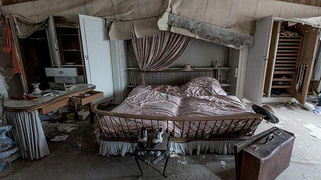 Занедбана кімната