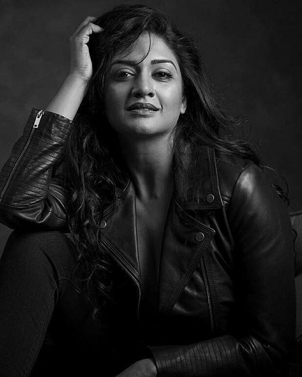 Vimala Raman Stunning Photoshoot Stills Navel Queens