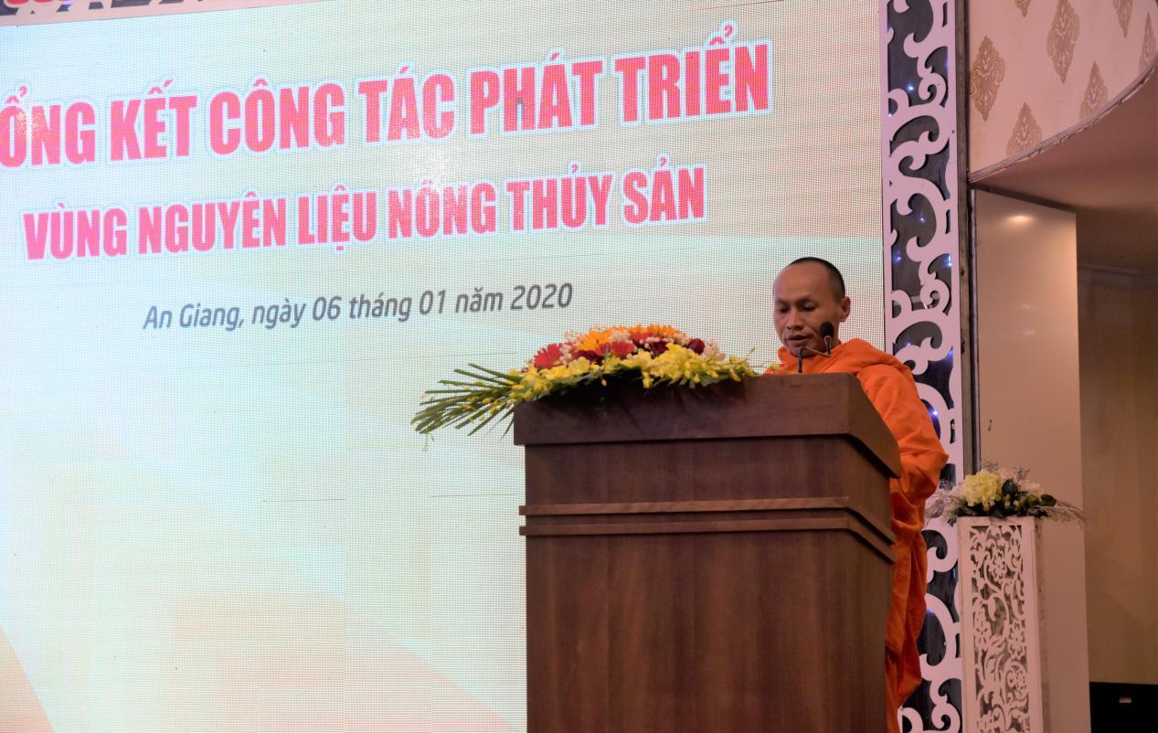 2. Ông Chao Sóc Khon - Thành viên trong mô hình liên kết trồng mì với Tập đoàn Sao Mai gửi lời tri ân với doanh nghiệp