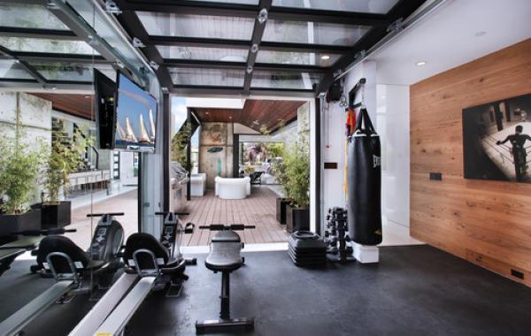 Phòng gym thông phòng khách