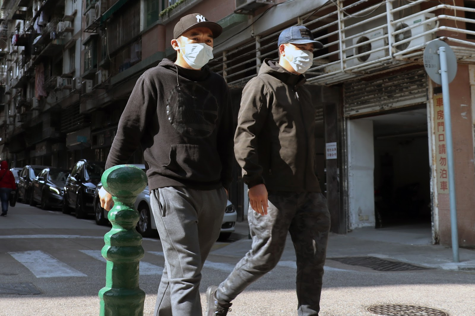 People wearing masks to protect themselves from coronavirus