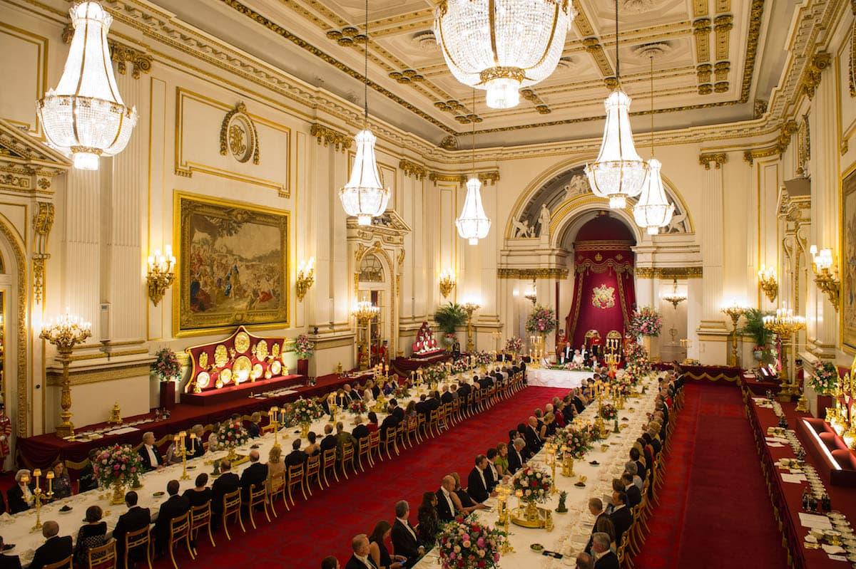 Букингемский дворец Большой зал