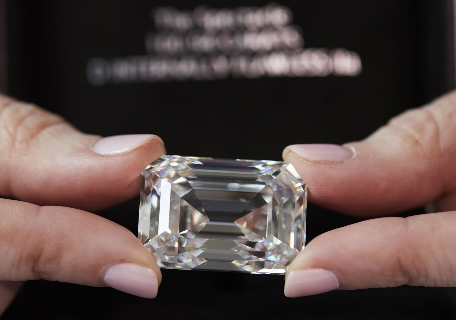 Chiêm ngưỡng viên Kim cương 101 carat khổng lồ - ảnh 2