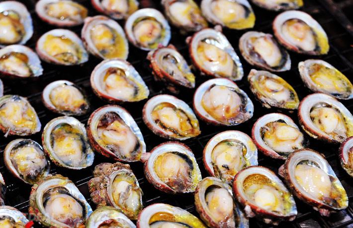Bào ngư là một trong những món ăn đặc sản nổi tiếng tại đảo Cô tô