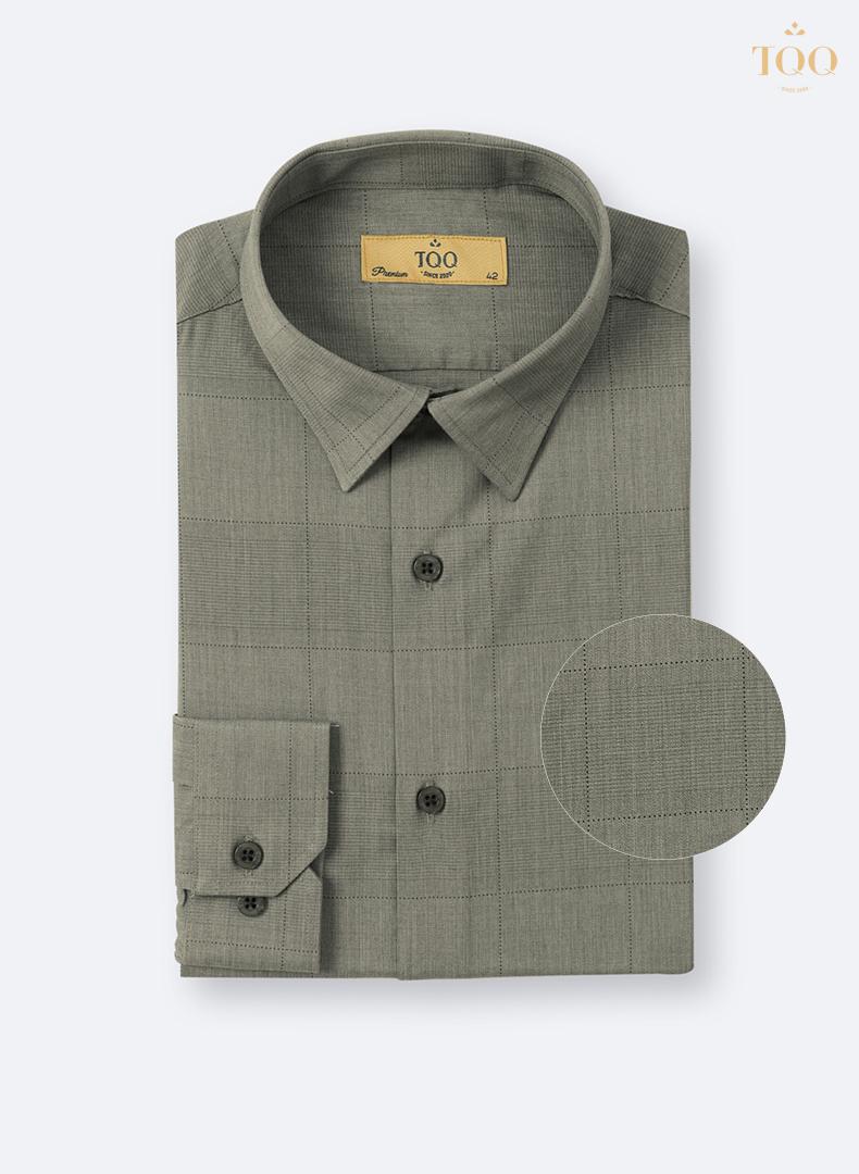 Thiết kế kẻ chìm tinh tế, tạo điểm nhấn cho bộ trang phục