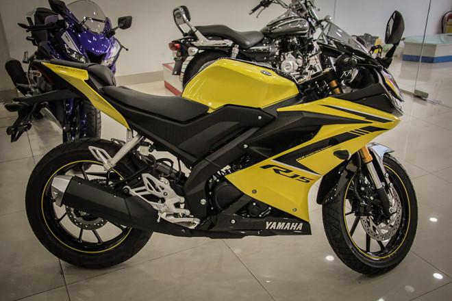 Yamaha YZF-R15 mau vang racing ve Viet Nam, gia 78 trieu hinh anh 7
