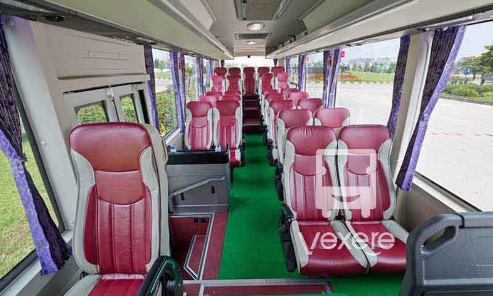 Nội thất xe Cát Bà Express đi Cát Bà từ Hà Nội