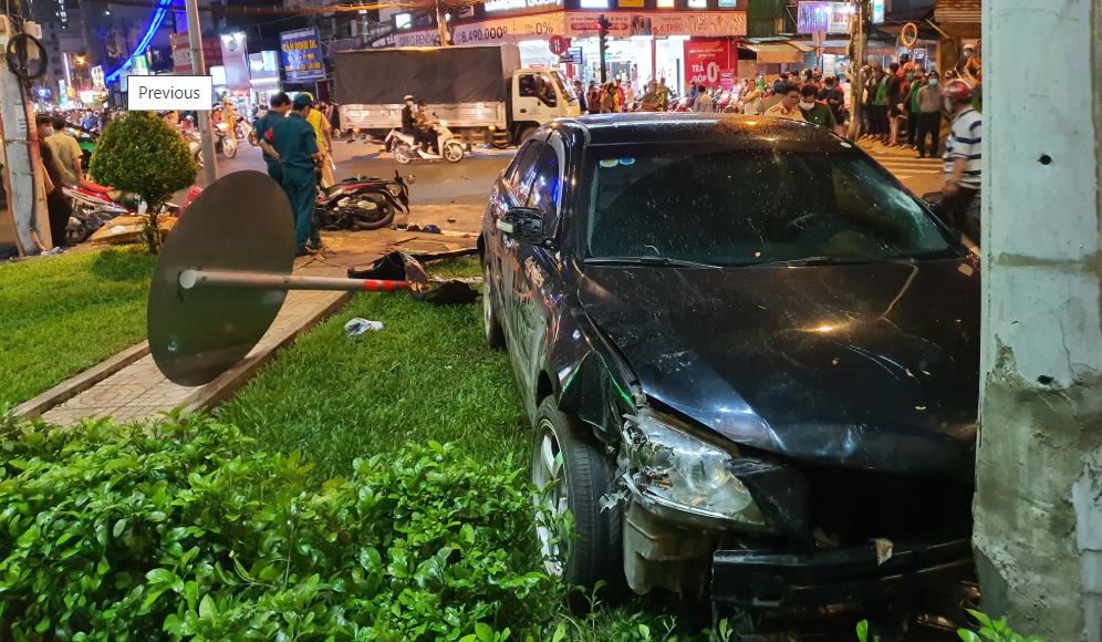 Bình Thạnh: Nữ tài xế đạp nhầm chân ga lùa 8 xe máy, hơn 10 người bị thương - Ảnh 2