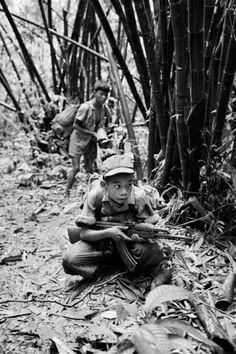 The stories about American army in Vietnam. Vietnam History, Vietnam War Photos, Military Veterans, Vietnam Veterans, Military Art, American War, American History, North Vietnam, Laos
