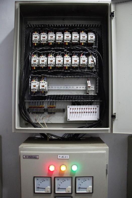 C:\Users\raffi\Downloads\Panel Kontrol AC Menggunakan PLC.jpg