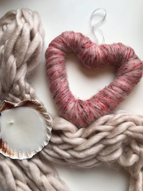 """(<img alt=""""knitted heart"""">)"""