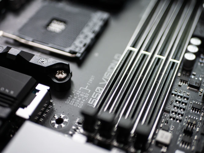 Everything You Need to Know Before Buying a Gaming PC