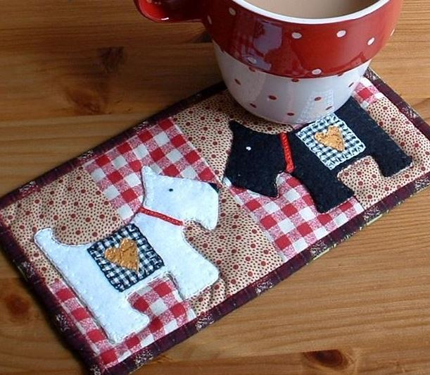Mug Rug Featuring Dogs - Craftsy Member Pattern
