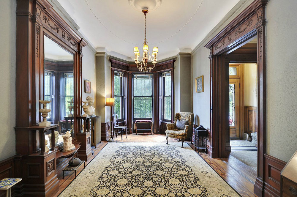 Hunian dengan desain interior bergaya Victorian - source: impressiveinteriordesign.com