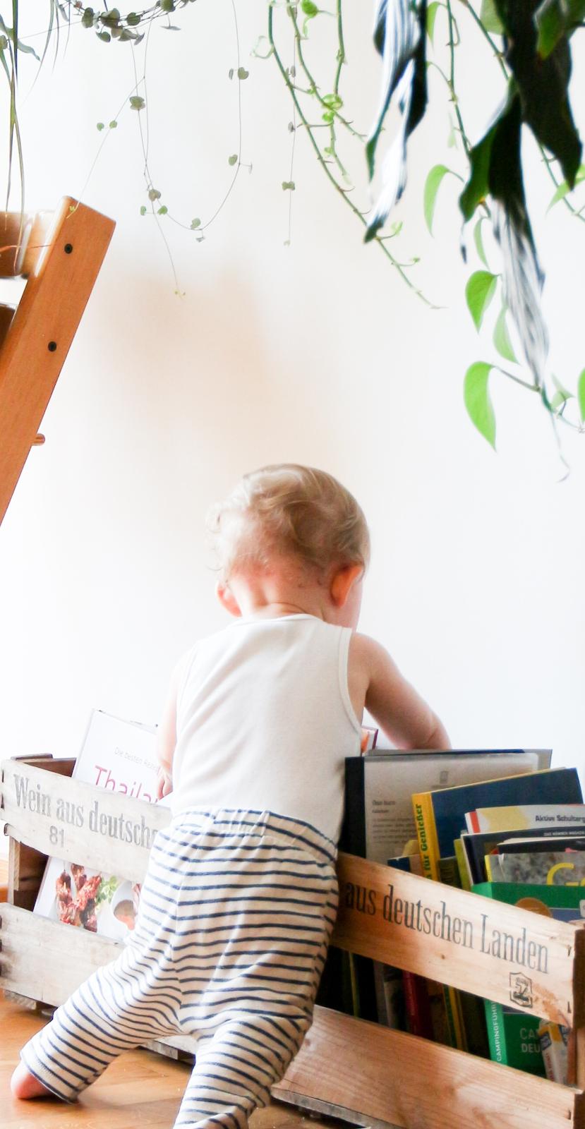 Rangement livre, espace calme, bébé se sert tout seul, bébé explore, rangement pour livres enfant